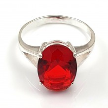 Pierścionek srebrny rubinowy